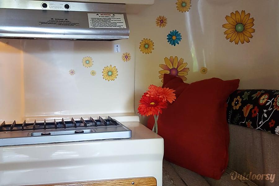 The Lazy Daisy - vintage uhaul CT13 Claremont, CA
