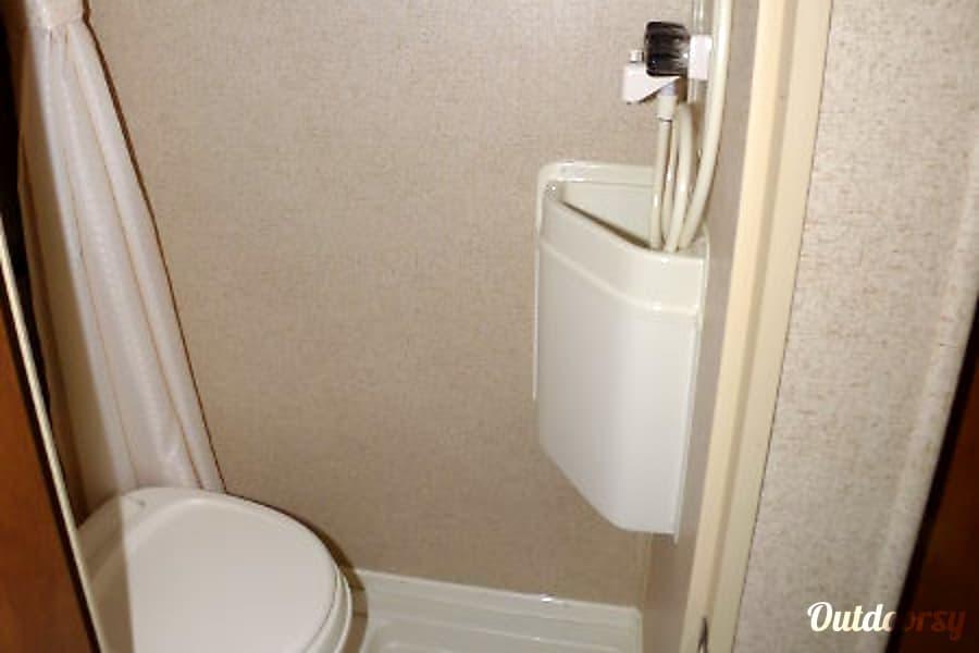RPOD RP179 Travel Trailer Denver, CO Bathroom