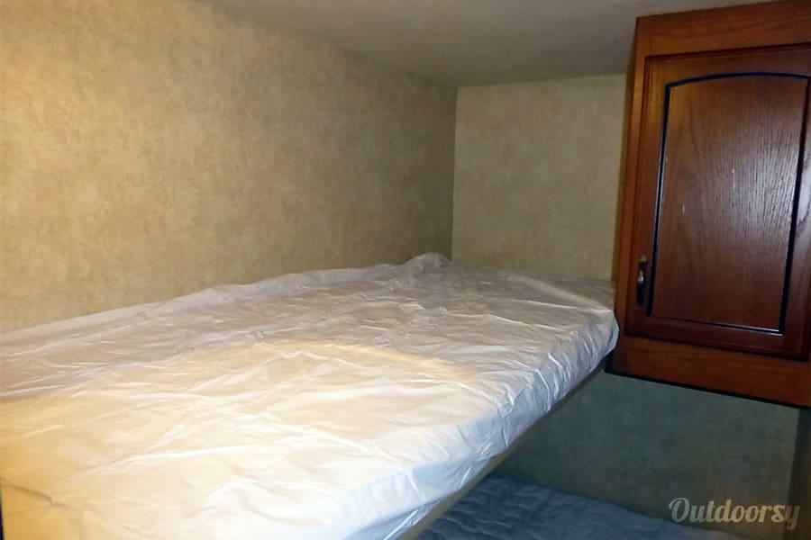18' Wildwood Travel Trailer With Bunk Beds (T1) San Marcos, CA Bunk Beds