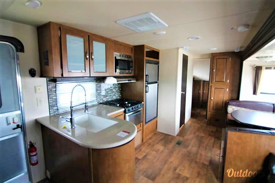 Forest River Wildwood-Sleeps 8-10! Mt Juliet, TN
