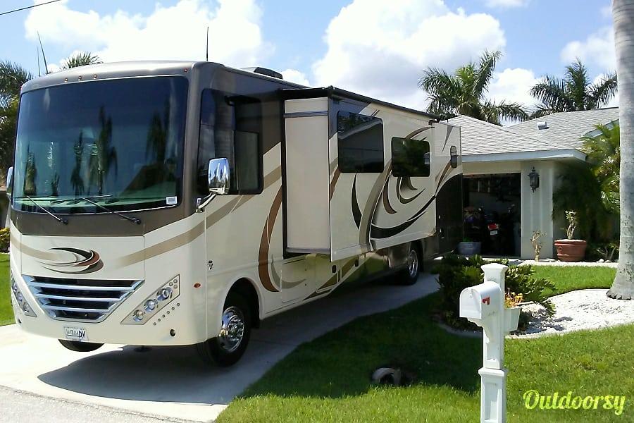 2017 Thor Motor Coach Hurricane Port Charlotte, FL