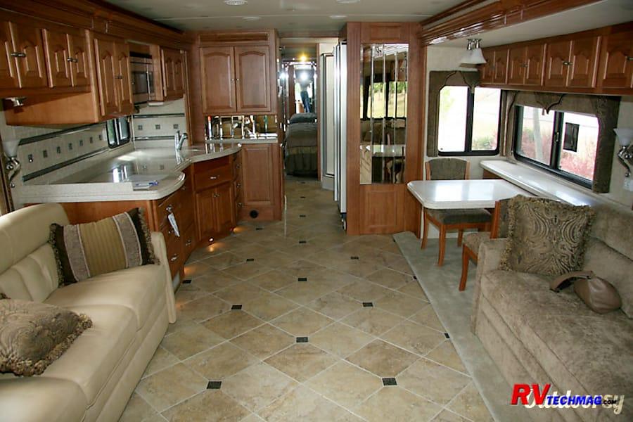 interior 2007 Tiffin Motorhomes Allegro Bus Acton, CA