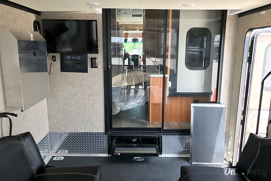 2017 Thor Motor Coach Outlaw Fort Myers, FL
