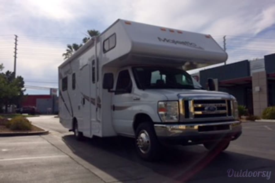 exterior FORD 25 FT CLASS C RV DRIVES LIKE A  CAR SLEEPS 6 NICKNAME (WINNIE) Las Vegas, NV