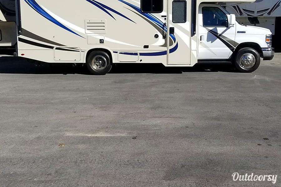 exterior 2018 Thor Motor Coach Freedom Elite 24HE Las Vegas, NV