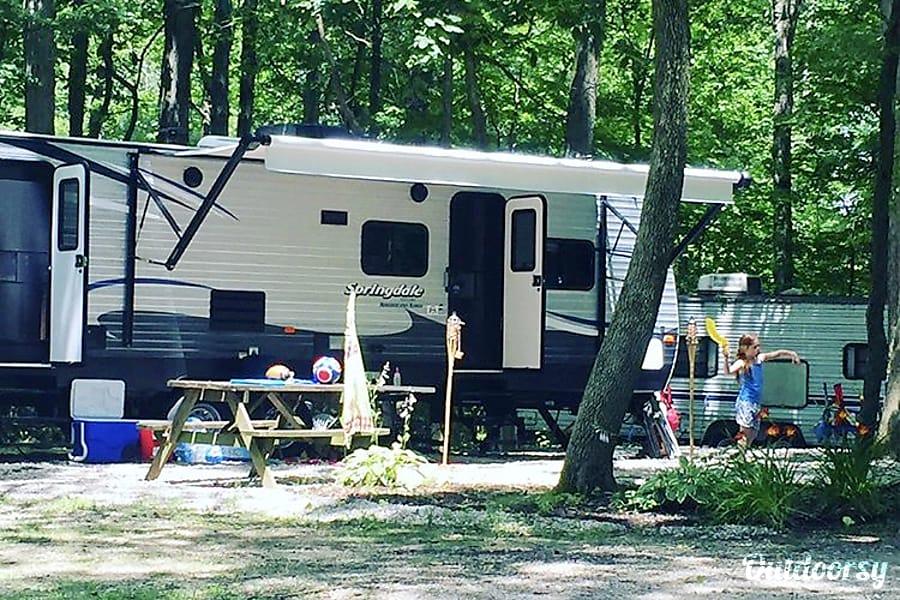 exterior 2017 Keystone Summerland Anderson, IN