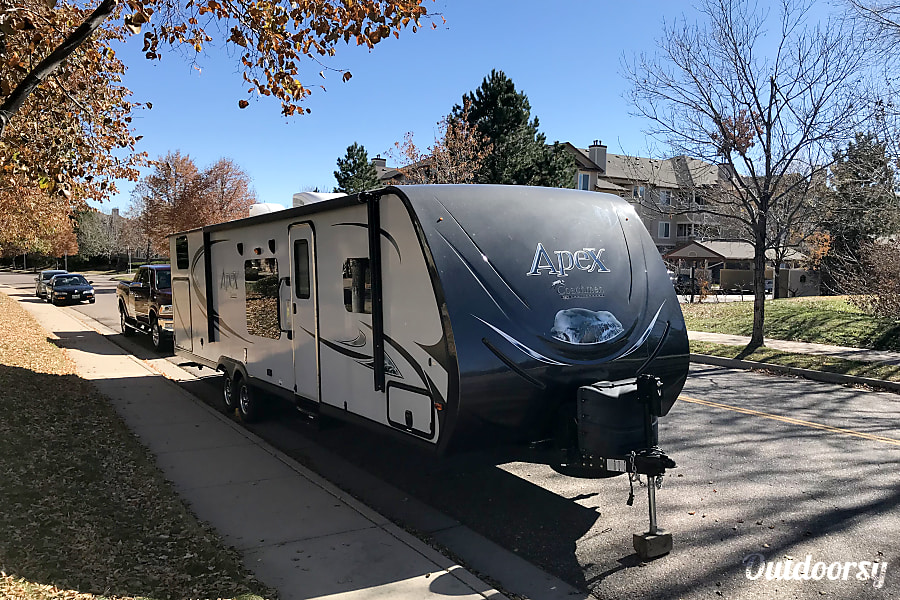 exterior 2014 Coachmen Apex Littleton, CO