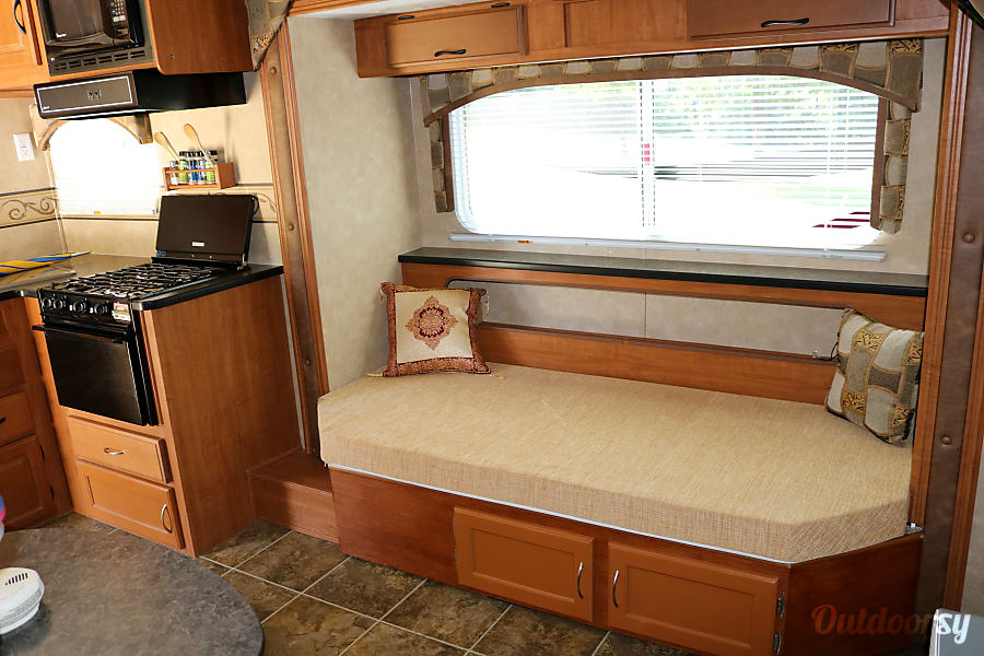 2010 Forest River Salem - Worry free, fully equipped Clarkesville, GA