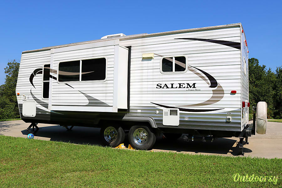 exterior 2010 Forest River Salem - Worry free, fully equipped Clarkesville, GA