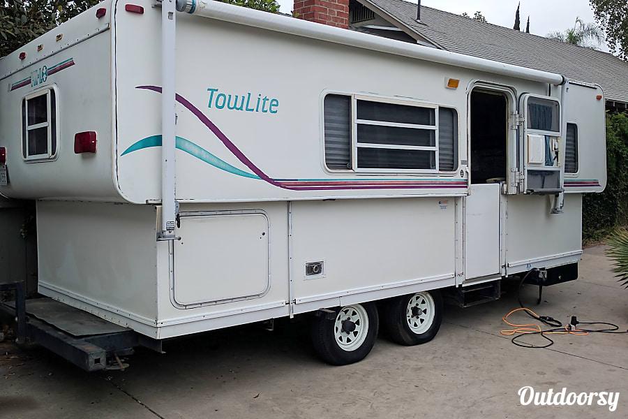 exterior 1999 Towlite 22TD Burbank, CA