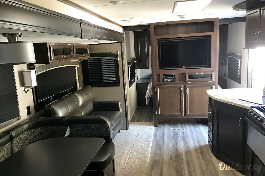 Air Conditioner Rental >> 2018 Jayco JAY FLIGHT 32BHDS Trailer Rental in Lake Buena Vista, FL | Outdoorsy