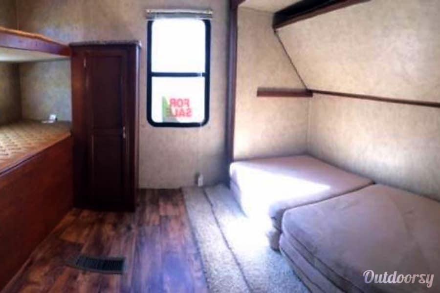interior 2014 Keystone Passport Ultra Light 32' Bunk House Carmel, Indiana