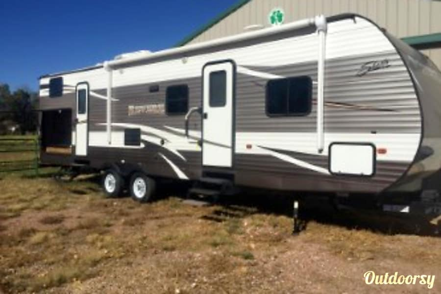 exterior 2016 Shasta REVERE SHT32DS Cañon City, CO