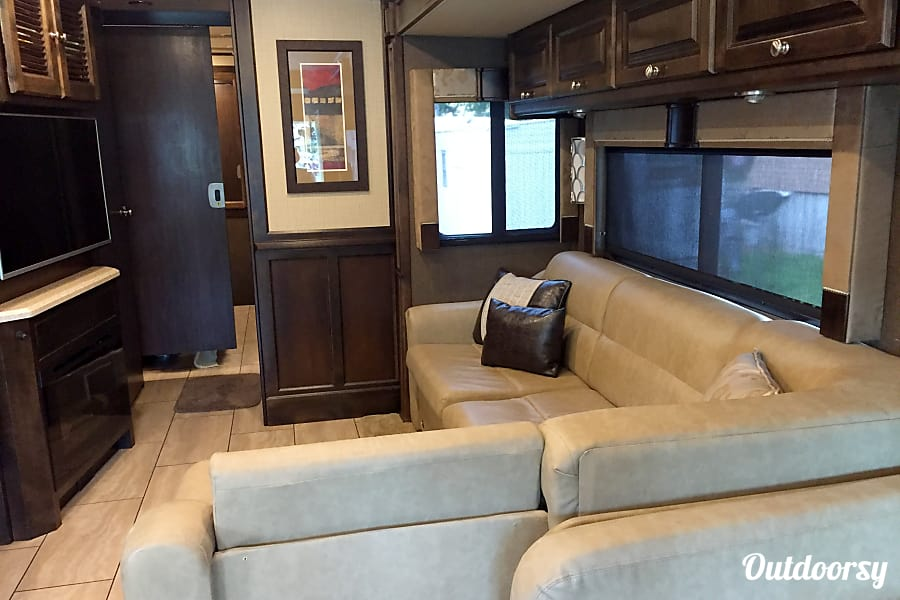 interior BLUE MOON II - 2016 Tiffin Motorhomes Allegro Open Road Kansas City, MO