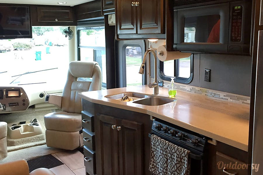 BLUE MOON II - 2016 Tiffin Motorhomes Allegro Open Road Kansas City, MO