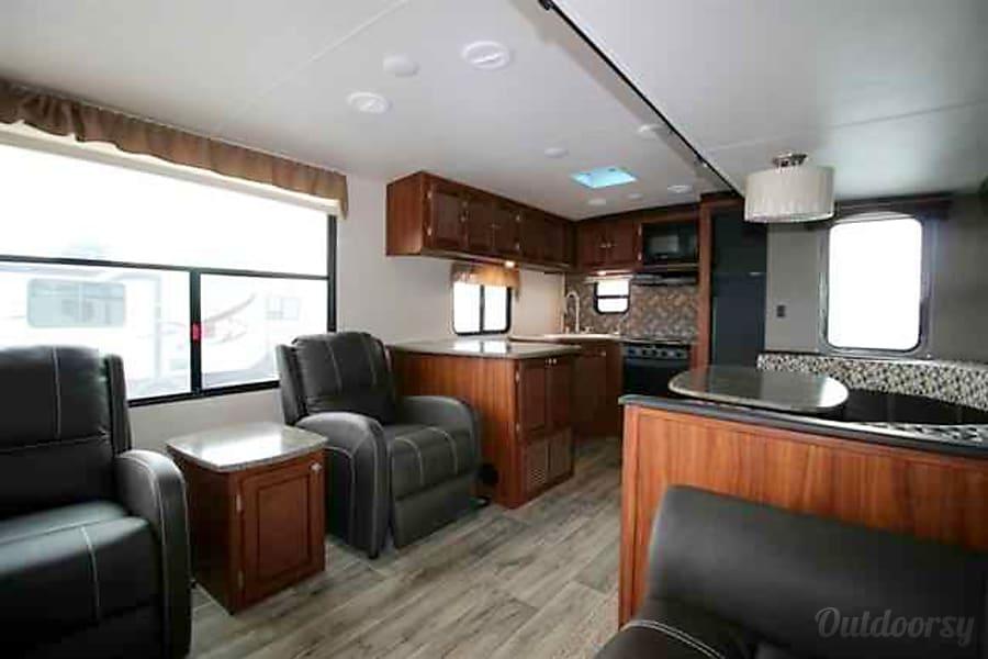 interior 2017 Mallard m302 Houston, TX