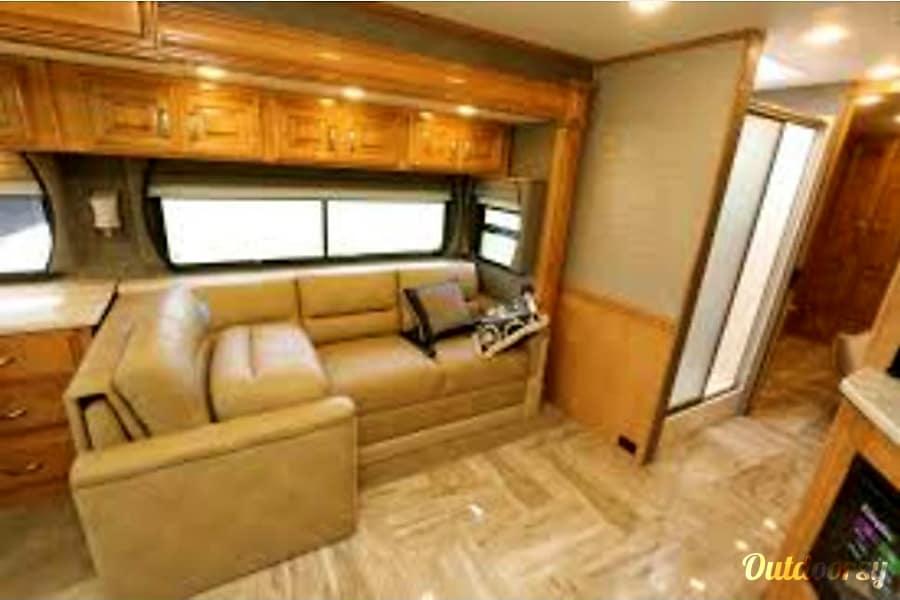 2017 Venetian Motor Home Class A - Diesel G 36 Colorado Springs, CO