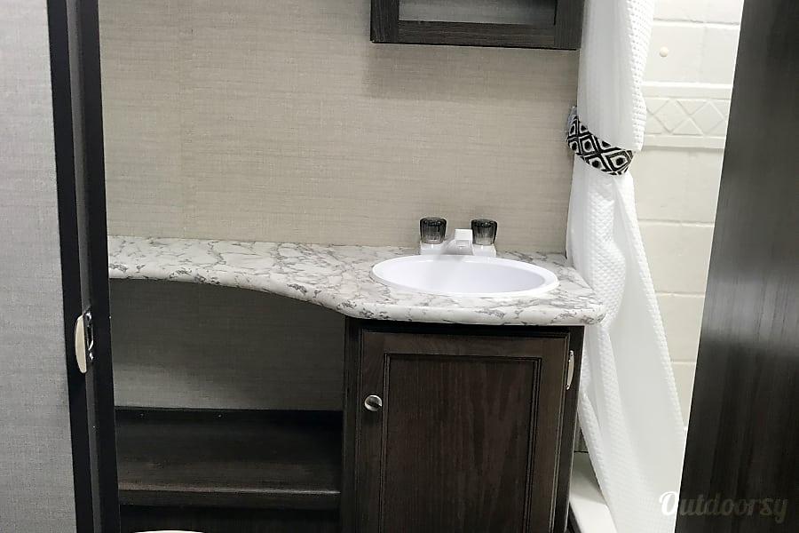 2018 keystone Bullet Crossfire 2190EX Fort Mitchell, Kentucky Bathroom sink