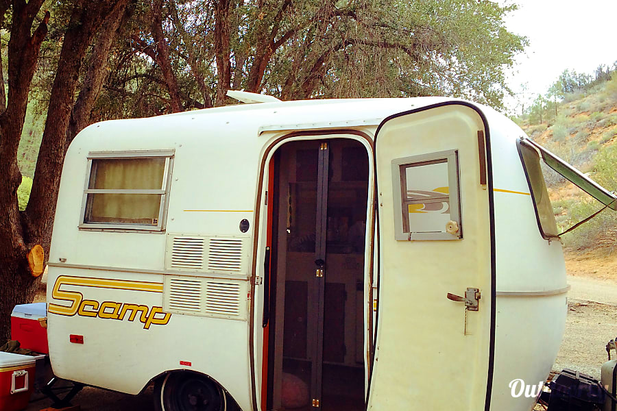 exterior 1980 Scamp 13' La Crescenta Montrose, CA