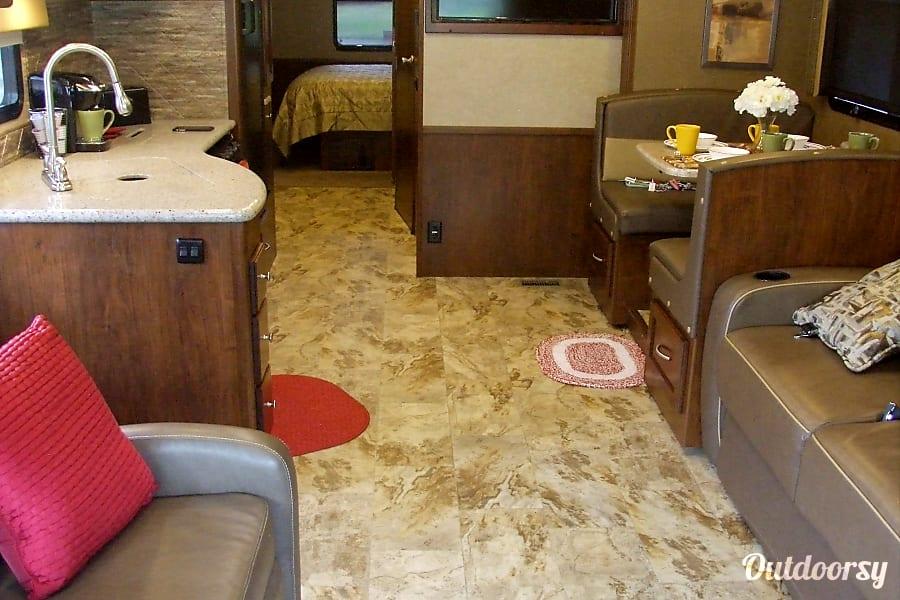 interior 2017 Coachmen Mirada Ocoee, FL