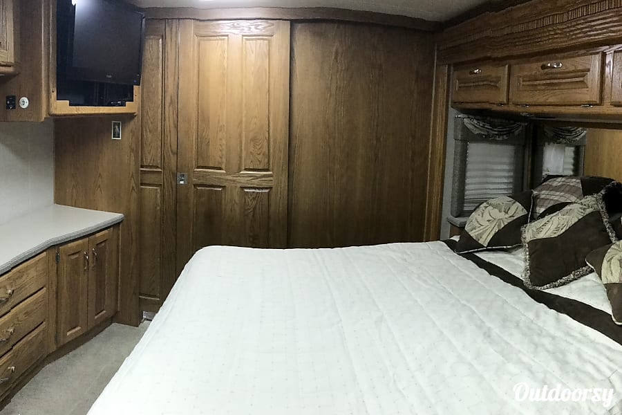 2004 Holiday Rambler Scepter Las VegasLas, NV Master Bedroom with King size bed