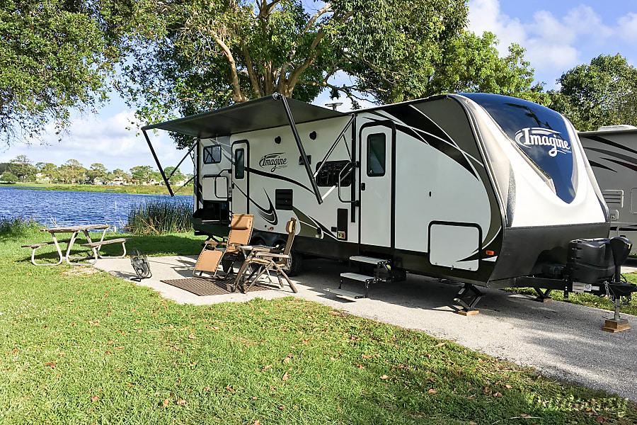exterior 2018 Grand Design Imagine Sleeps 6-8 Lake Worth, FL