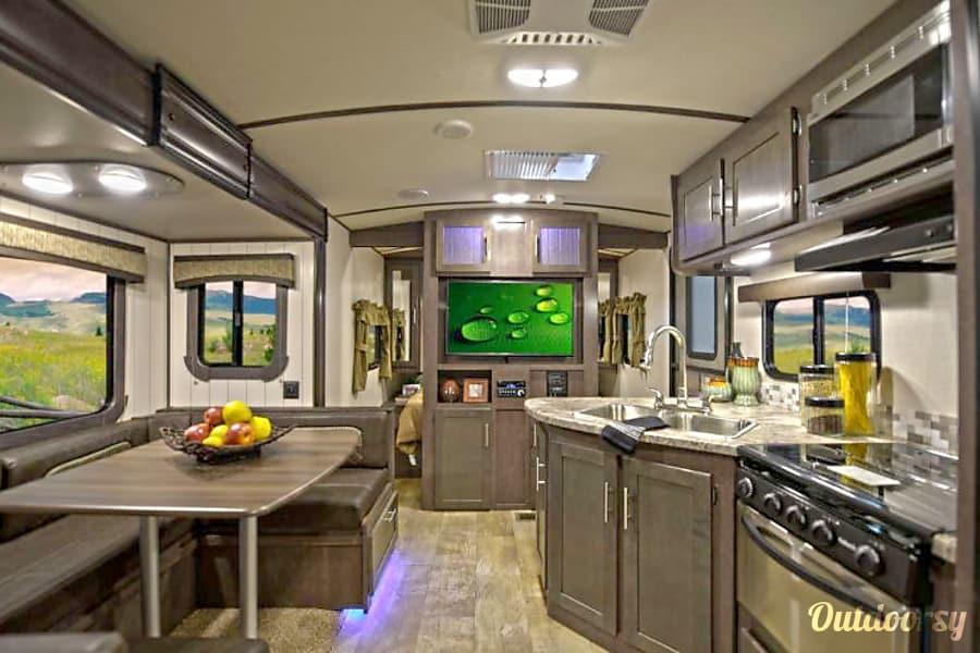 interior 2018 Crossroads Sunset Trail Super Lite SS239BH Kerrville, Texas