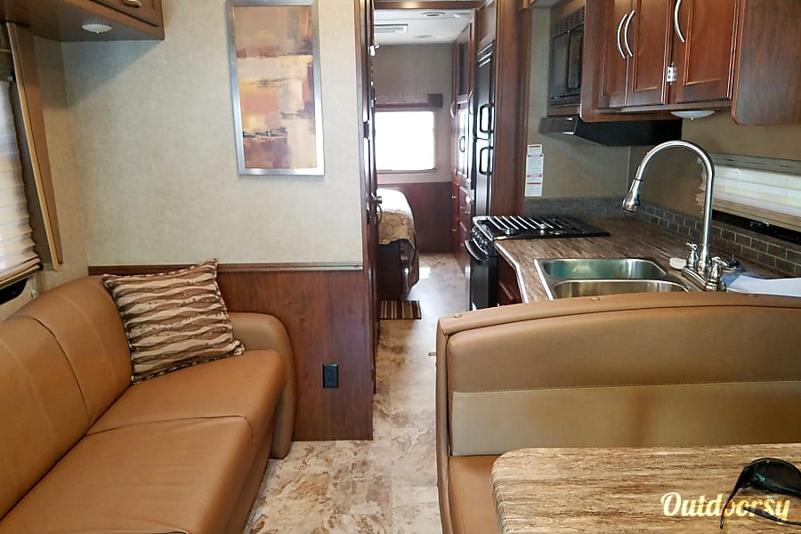 interior 2017 Coachman Pursuit ( MOLLY ) North Shreveport, LA