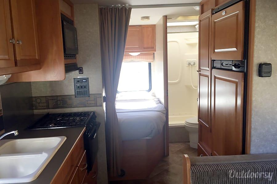 24' Winnebago Access Oakhurst, CA Cozy yet roomy interior