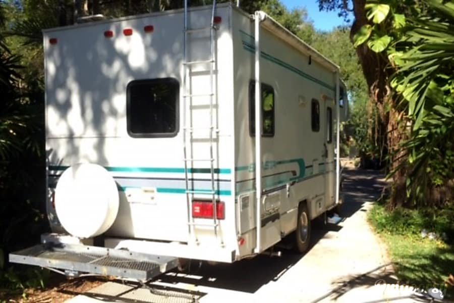 exterior 4 person - 1994 Shasta on gas Ford e350 - remodeled for FL/GA rentals (liability ins. needed read below) Tampa, FL