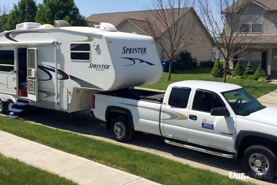 2005 Keystone Sprinter Cicero, Indiana Exterior and truck