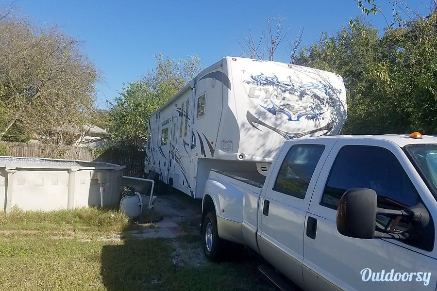 exterior 2011 Heartland Cyclone Irving, TX