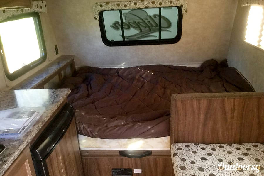 interior 2015 Coachmen Clipper Ypsilanti, MI