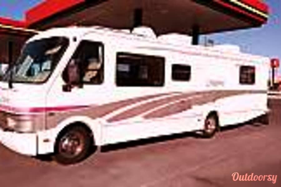 exterior 1994 Fleetwood Coronado El Paso, Texas