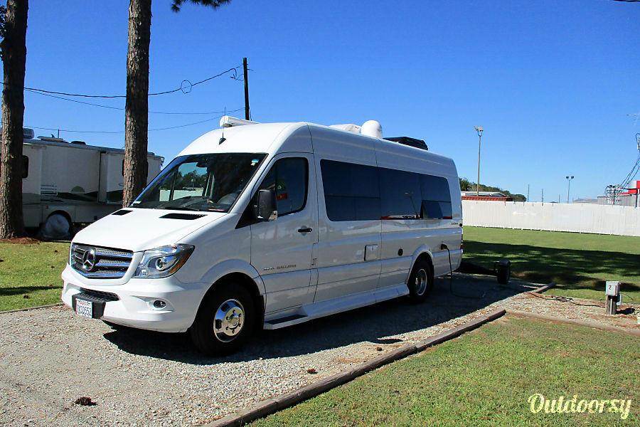 2017 Coachmen Classic Motor Home Class B Rental In Bermuda