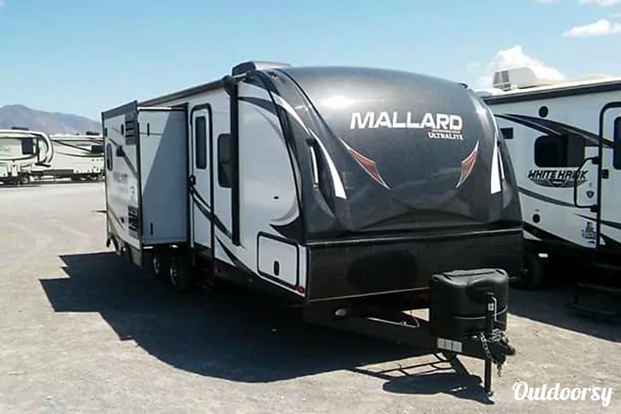 exterior 2018 Heartland Mallard M28 Columbia, SC