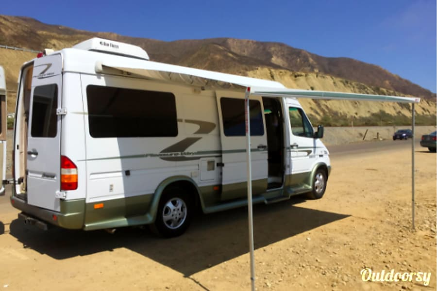 22 Foot Pleasure Way Mercedes Sprinter Diesel Walnut, CA