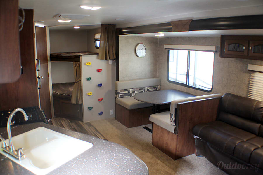 interior 2018 Coachmen Freedom Express 28 Select Edition Buda, TX