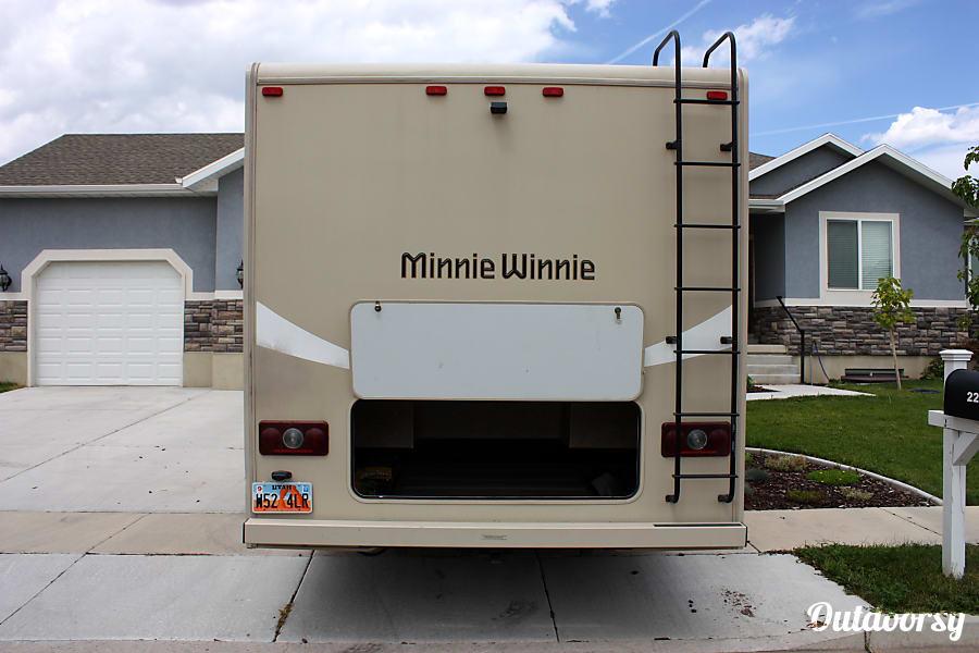 exterior Minnie Winnie Lehi, UT