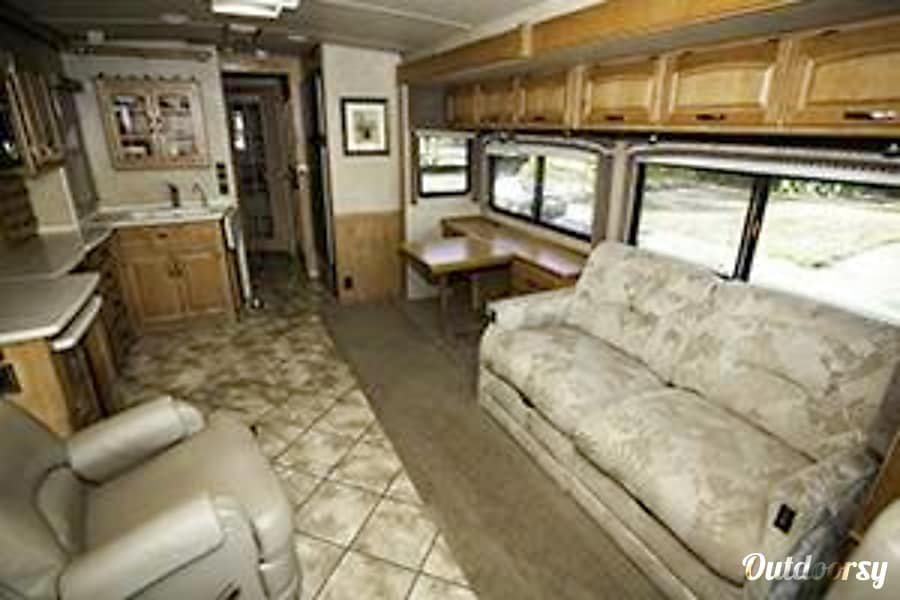interior Sleep in Luxury!  35' Itasca Suncruiser with Incredible Options Livermore, CA