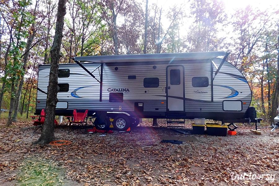 exterior Memory Maker - 2018 Coachmen Catalina SBX O'Fallon, MO