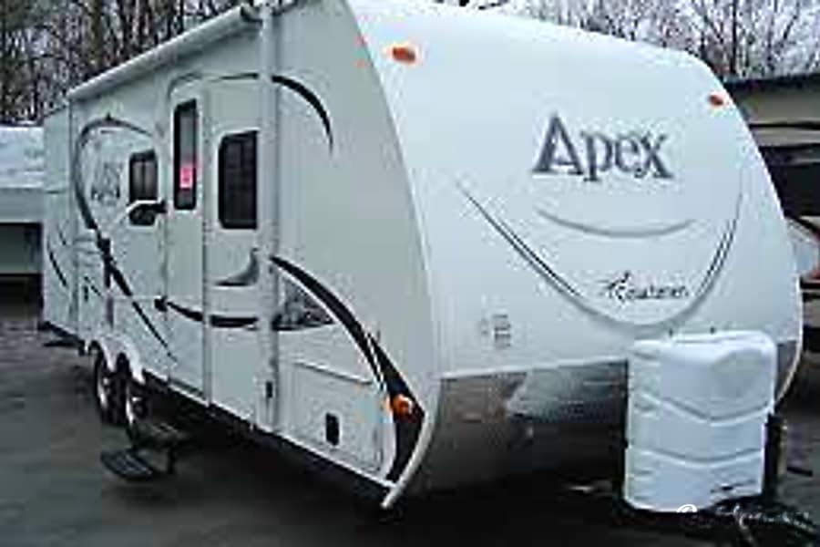 2013 Coachmen Apex Norman, Oklahoma right side front