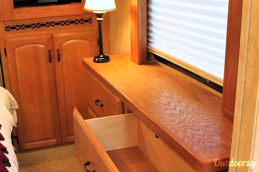 By Delivery:  Luxury Guest House on Wheels Puyallup, WA