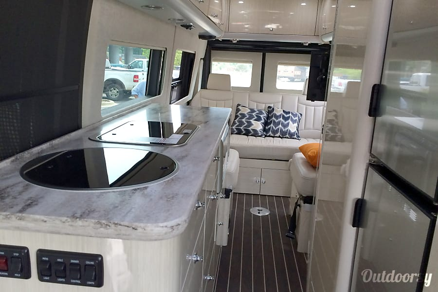 2016 Mercedes Benz Interstate Grand Tour Motor Home Class