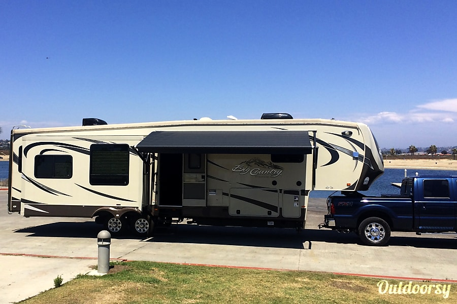 exterior 2013 Hartland Big Country 38' Spring Valley, CA