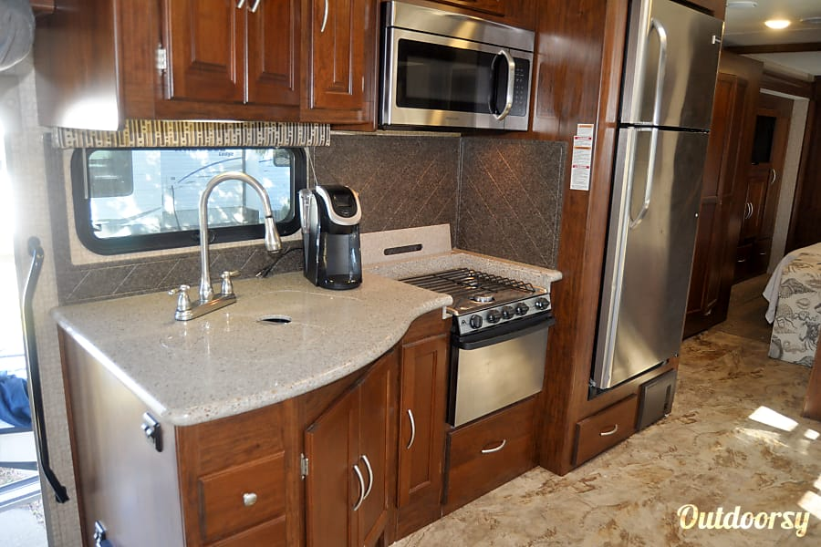 2016 Coachmen Mirada Virginia Beach, VA Kitchen