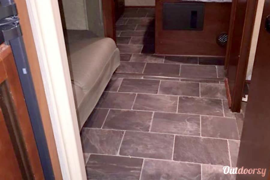 Dog friendly Bunkhouse!  Call/text 443-462-6178 Scott today! Westminster, MD