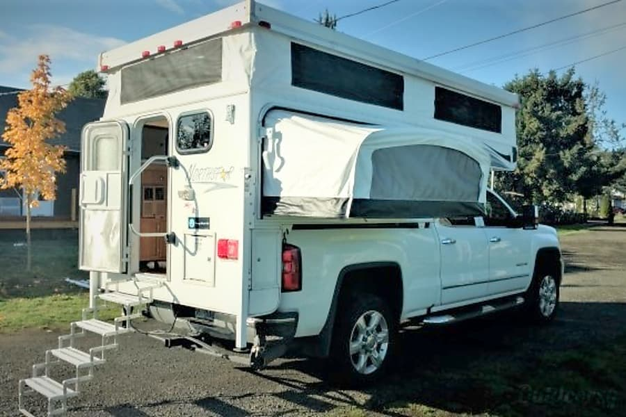 """Canyon"" Camper Fully Outfitted+Solar! Albany, OR"