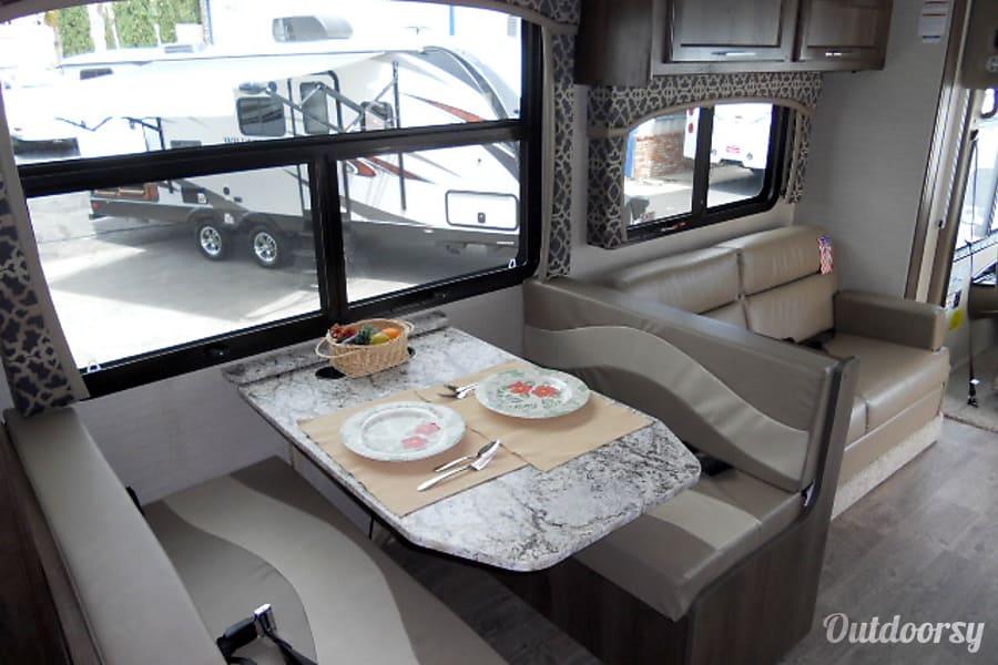 interior 2018 Jayco Alante 31V Lancaster, CA
