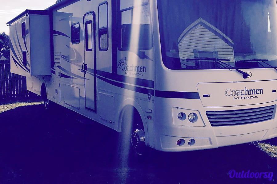 exterior 2012 Coachmen Mirada Irving, TX